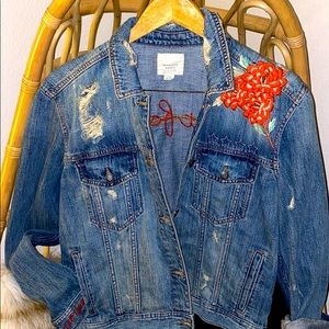 AEO embroidered jean jacket